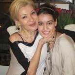 Всички говорят за Мари на Гала, а вижте каква хубавица е доведената й дъщеря (снимка)