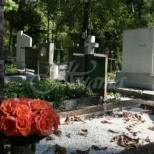 Неписани правила, когато ходите на гробища, за да не занесете смъртта в дома си