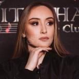 Роди се звезда: Дара Екимова направи фурор на сцената - нарекоха я българската Джей Ло (Снимки):
