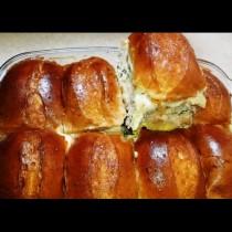 8 хлебчета, половинка кайма и най-вкусната мързелива вечеря е готова за нула време. Тайната е в заливката: