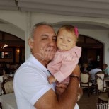Вижте колко е пораснала сладката внучка на Стоичков - малката принцеса е на гости на дядо (Снимки):