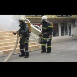 Мощен взрив разтърси столицата тази сутрин - 3 коли горяха, евакуираха сграда в центъра (Снимки):