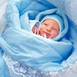При изписването от болницата медицинската сестра ѝ даде бебето, жената веднага разбра, че детето не е нейното