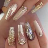 Блестящи маникюри със златно, сребърно и кристали - колекция за кралици: