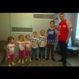 След смъртта на съпругата си 31-годишният Антон отглежда 6 деца сам-Ето как му се отблагодари съдбата!
