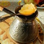 Защо всички започнаха да пият кафето си така- древната рецепта за борба с настинките