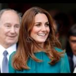 Кейт отново е еталон за стил и елегантност с този есенен тоалет - блестяща е, нали? (Снимки):