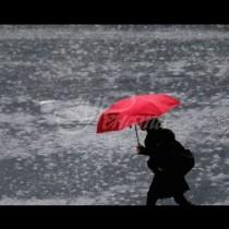 Бурите вече започнаха, утре в 8 области ще бъде страшно-Оранжев код за валежи