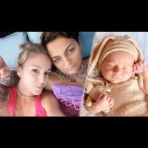 Първото бебче с две майки у нас вече е на 4 месеца и е малък сладурко. Ето как го отпразнуваха (Снимки):