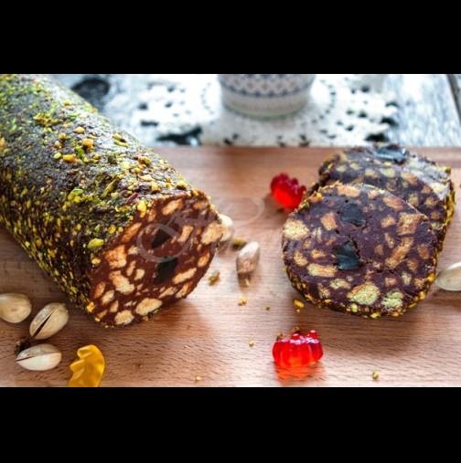 Може да е нищо работа, но всички го обожаваме! Ето идеалната рецепта за сладък салам - така няма да ви се разпада при рязането: