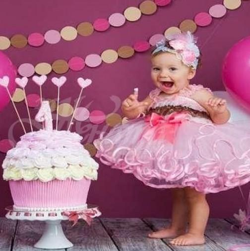 Какво да подарим за първия рожден ден на детето?