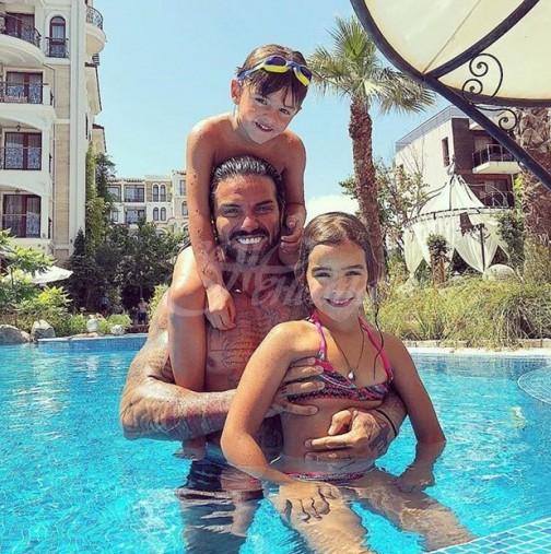 Джизъса е баща за пример, докато Златка кисне по фризьори - вижте как се грижи за цялата си челяд (Снимки):
