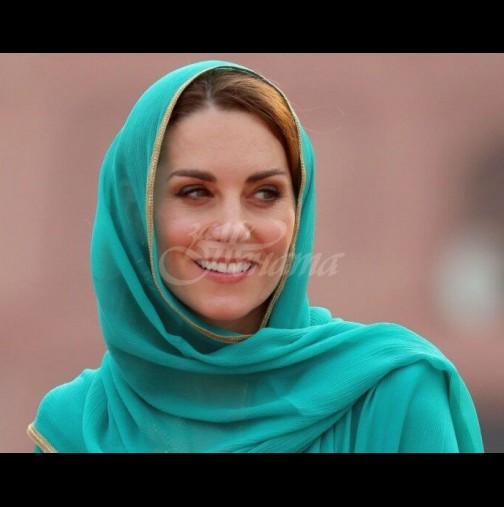 Кейт с най-красивия си тоалет досега - прилича на арабска принцеса от 1001 нощ (Снимки):