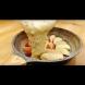 Най-вкусният ябълков сладкиш се прави в тигана - 2 яйца, чаша мляко, шепа орехи. Отвътре е хрупкав, отвън - карамелен. Просто божествен!