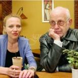 Ицко Финци на 86 се готви за второ бебе от 45 години по-младата му съпруга. Ето влюбената двойка (Снимки):