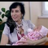 Галя, която роди на 60 години, разказа и показа как расте малката й дъщеря