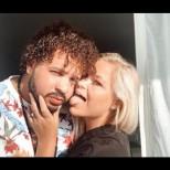 Този смугъл доминиканец и съпругата му, шведка, са невероятна двойка. Но ангелски красивата им дъщеричка е направо кукла (Снимки):