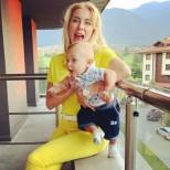 Антония Петрова не може да нахвали сина си - малкият бонбон проходи на 9 месеца. Вижте го (Видео):