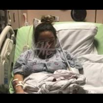 Докторът пусна новороденото на пода, след което каза на родилката-Млада си, ще имаш още!