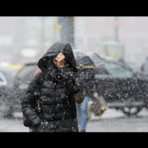 Студът се завръща - ето кога да вадим пухенките и ръкавиците, чака ни и първи сняг: