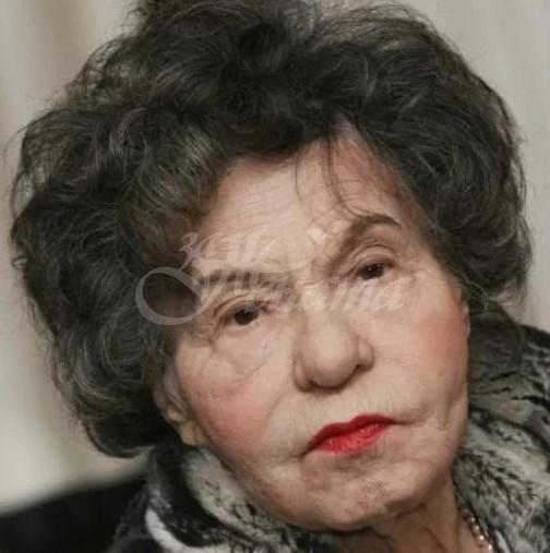 Лоши новини за Стоянка Мутафова-Актрисата бере душа в болницата