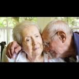 Алцхаймер - страшната болест, която убива личността. Ето първите тревожни симптоми, които трябва да познаваме: