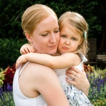 Родителите казват, че им е писнало от дъщеря им и я пускат на детска градина, за да не им пречи