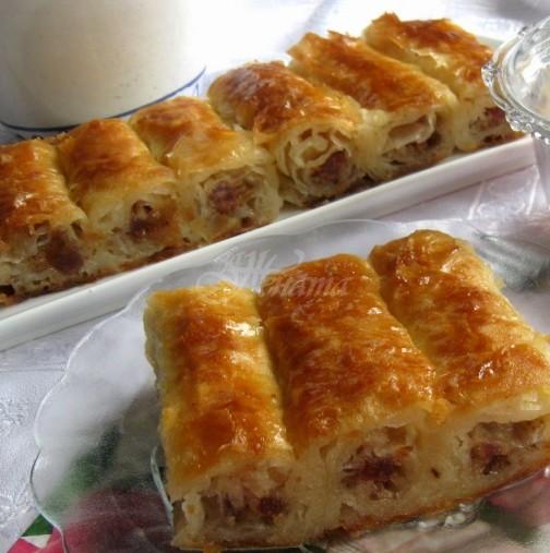 Сладка като мед, мека като пух и сочна като шербет! Уникална баница с локум и орехи: