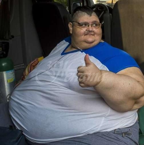 Най-дебелият човек успя да стопи 330 кг и остана с 95 кг излишна кожа-Ето колко тежи вече!
