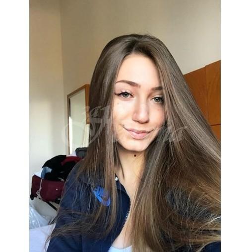 19-годишната Никол загуби борбата с рака
