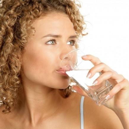 Топла вода сутрин на гладно - лесно отслабване 3 кг за 3 дни