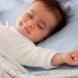 В колко часа трябва да си лягат малките деца?