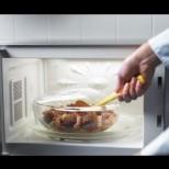 Ето какви опасности крие приготвянето на храната в микровълнова фурна