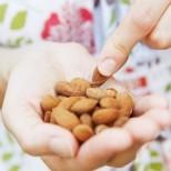 Защо бадемът е толкова полезен дори и в малки количества? 7 причини да хапвате всеки ден по няколко ядки
