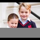 Коледните снимки на принц Джордж и принцеса Шарлот умилиха цял свят - истински сладурковци (Снимки):