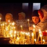Как се пали правилно свещ в църквата, за да ни се чуят молитвите