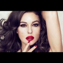 Ето какво тайничко си мислят мъжете, когато видят жена с яркочервено червило: