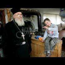 Жители на Якимово показаха какво става с даренията в приюта на отец Иван