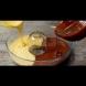 Двуцветен кекс с кисело мляко за нула време, когато ви погне нагона за сладко, а нямате нищо под ръка