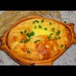 4 яйца, чаша мляко, парче кашкавал - супер лесен Кашкавал на фурна. Божествено топящ се в устата и нежен като пухкава целувка: