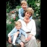Неизвестно досега писмо на Даяна към синовете ѝ от преди 24 години трогва с безусловната си любов (Снимки):