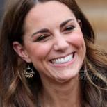 Ето и най- красивите и скандални рокли на звездите по червения килим- определено Кейт пак събра всички погледи (снимки)