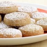 Домашни бисквити от брашно, 3 яйца, малко мляко и масло - грехота е да си купуваш от магазина