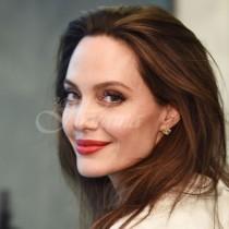 Анджелина Джоли става майка на седмо дете
