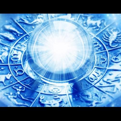 Днес е най-Мощното Новолуние на десетилетието: Вселената ще изпълни съкровените желания на ТРИ зодиакални знака!