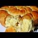 Даже тутманикът бледнее пред тази пухкава тестена вкусотия - Царска масленица със сирене за сръчковци в кухнята: