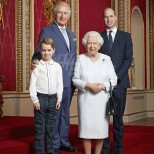 Ето кого всъщност подготвят за бъдещ крал на Великобритания (Снимки):