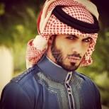 Помните ли най-красивия арабин, когото изгониха от страната заради това, че е красив-Ето съпругата и детето му