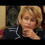 Спомняте ли си Емилия Масларова? Бившата министърка се подмлади до неузнаваемост - изрусена и вталена (Снимки):