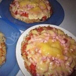 Картофена пица в тиган за обилна вечеря и щастливи деца и мъж